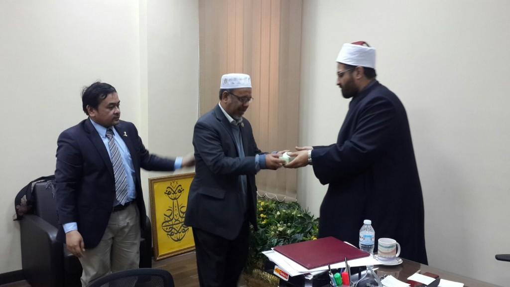 TYDP PUM bersama Pengarah Latihan di Darul Ifta' Mesir, Dr. Amru al-Wirdani.