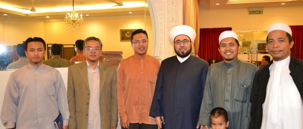 Wakil PUM yang diketuai oleh Prof. Madya Dr. Abdul Karim Ali berga